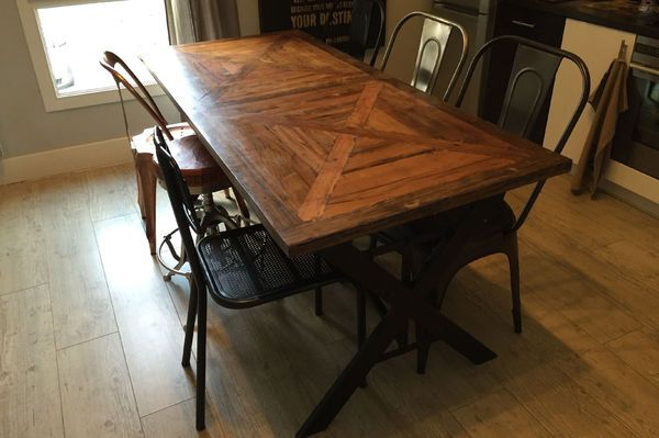 Table industrielle Cade par Maxime