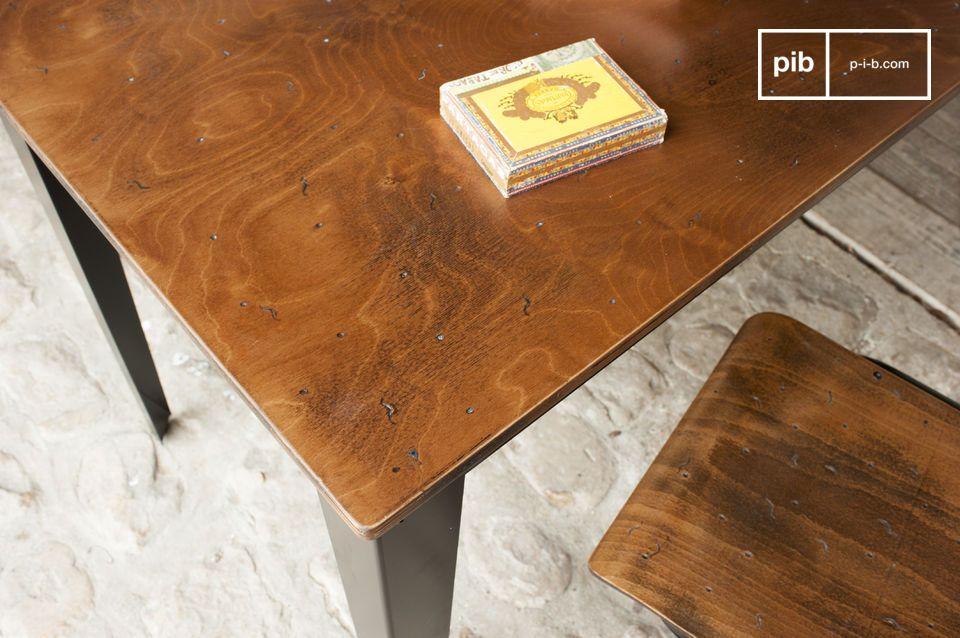 Table bois métal de style industriel en table de repas ou bureau