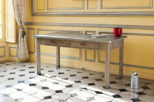 Table Pauline