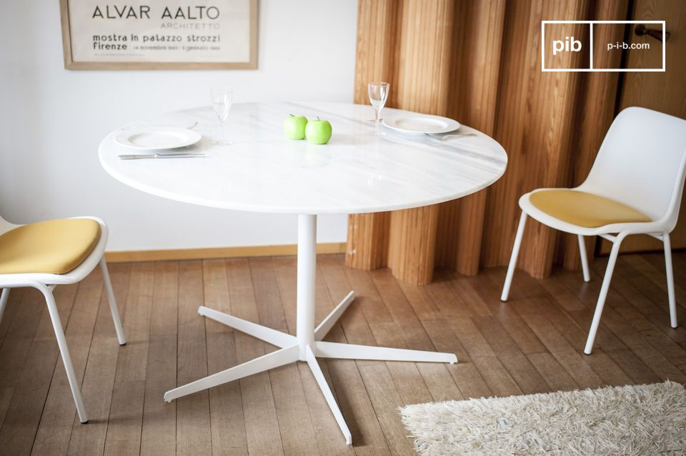 Table ronde en marbre blanc Lemvig