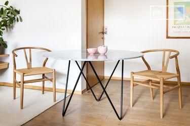 Table ronde en marbre noir Grimaud