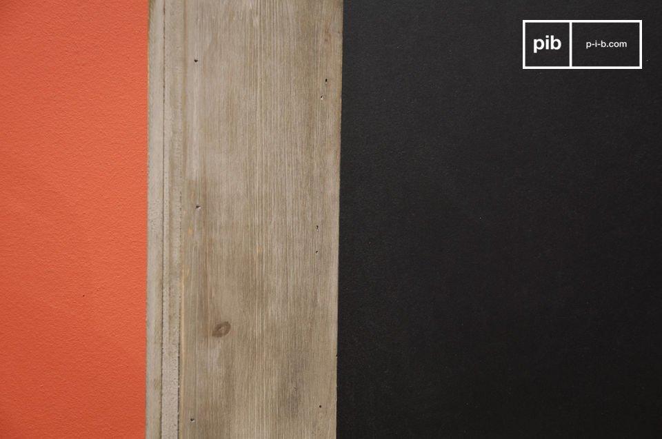 Adapté aux professionnels comme aux particuliers, ce tableau noir s\'avère décoratif et pratique