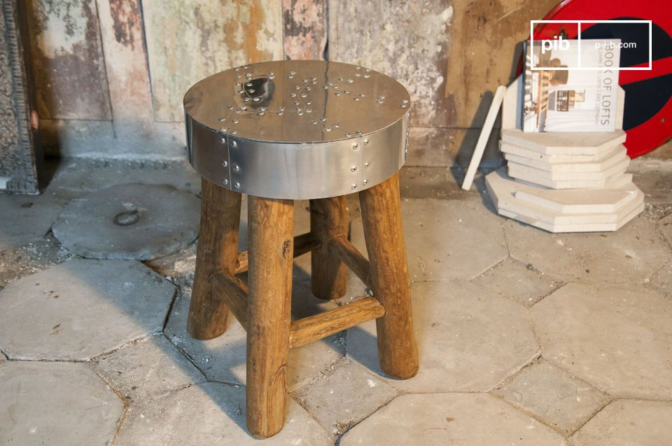 Table ou assise d'appoint pour une touche de deco industielle