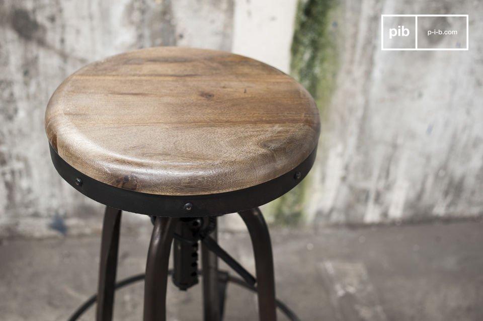 Le tabouret de bar design Nouveau Western affiche un style résolument industriel issu d\'une