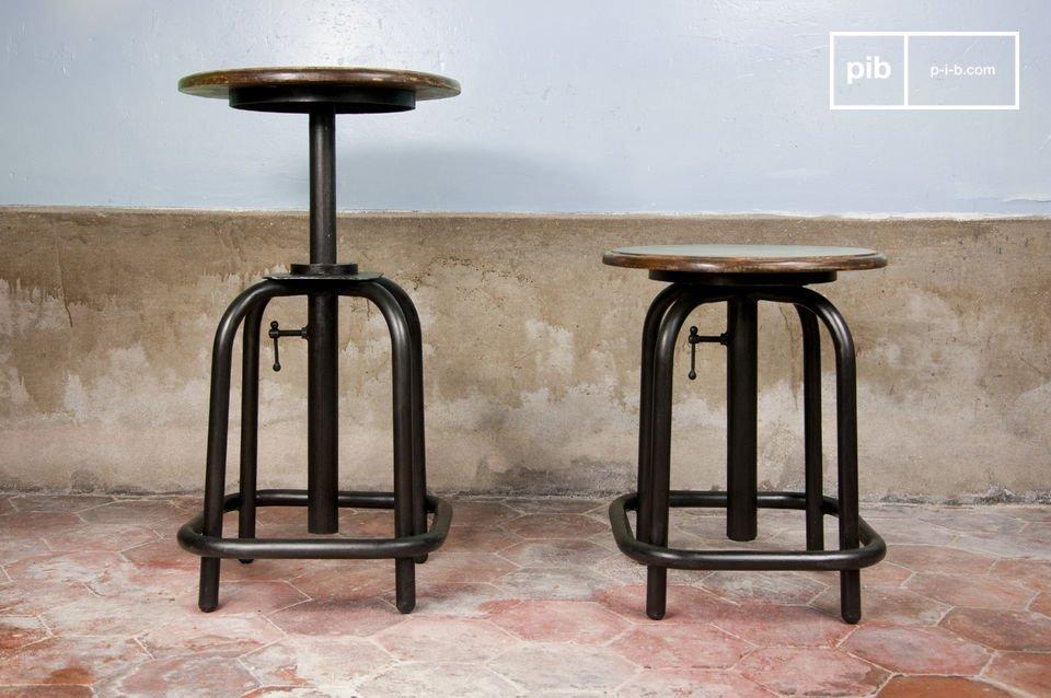Association d\'une assise circulaire en bois verni et de tubes d\'acier sombre
