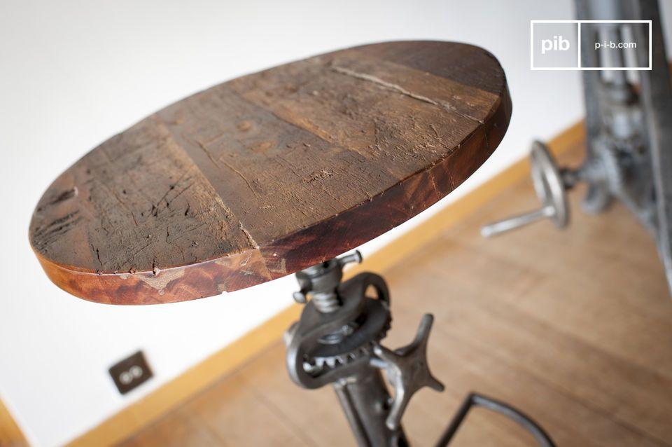 Une touche de style industriel ludique pour votre table haute