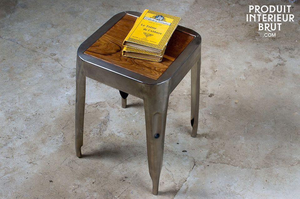 Un tabouret qui peut aussi être utilisé en petite table