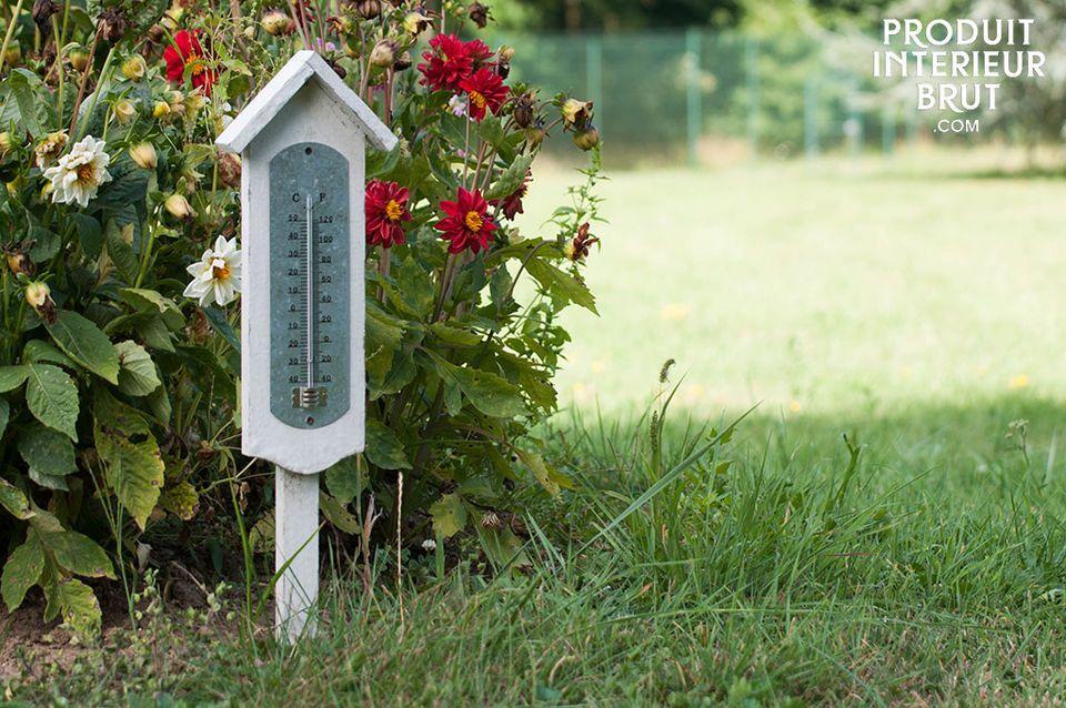 Le charme d'un thermomètre extérieur sur pied