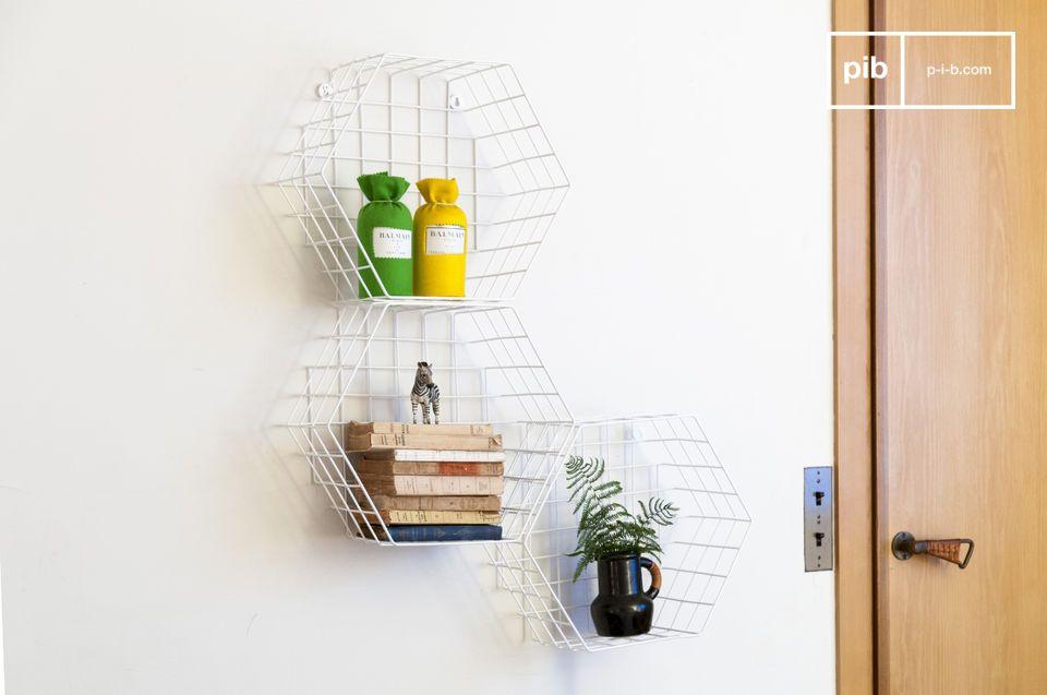 Une etagere scandinave métallique qui peut trouver sa place dans toutes les pièces d\'une maison