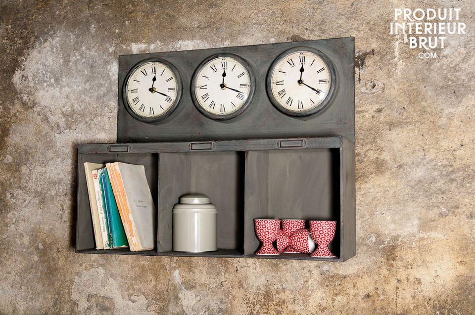 Triple horloge à casiers