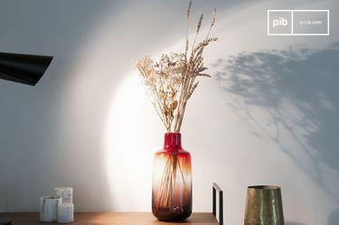 Vase en verre rouge Bobby